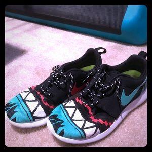 competitive price e1183 03d0f Nike. Custom Nike roshe run ...